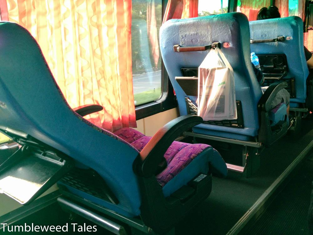 Luxuriöse Beinfreiheit im VIP-Bus nach Chiang Mai