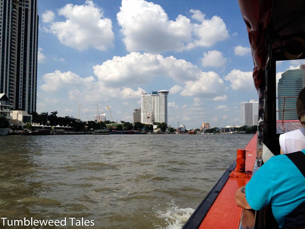 Bootsotur auf dem Chao Phraya: Blick aufs Wasser