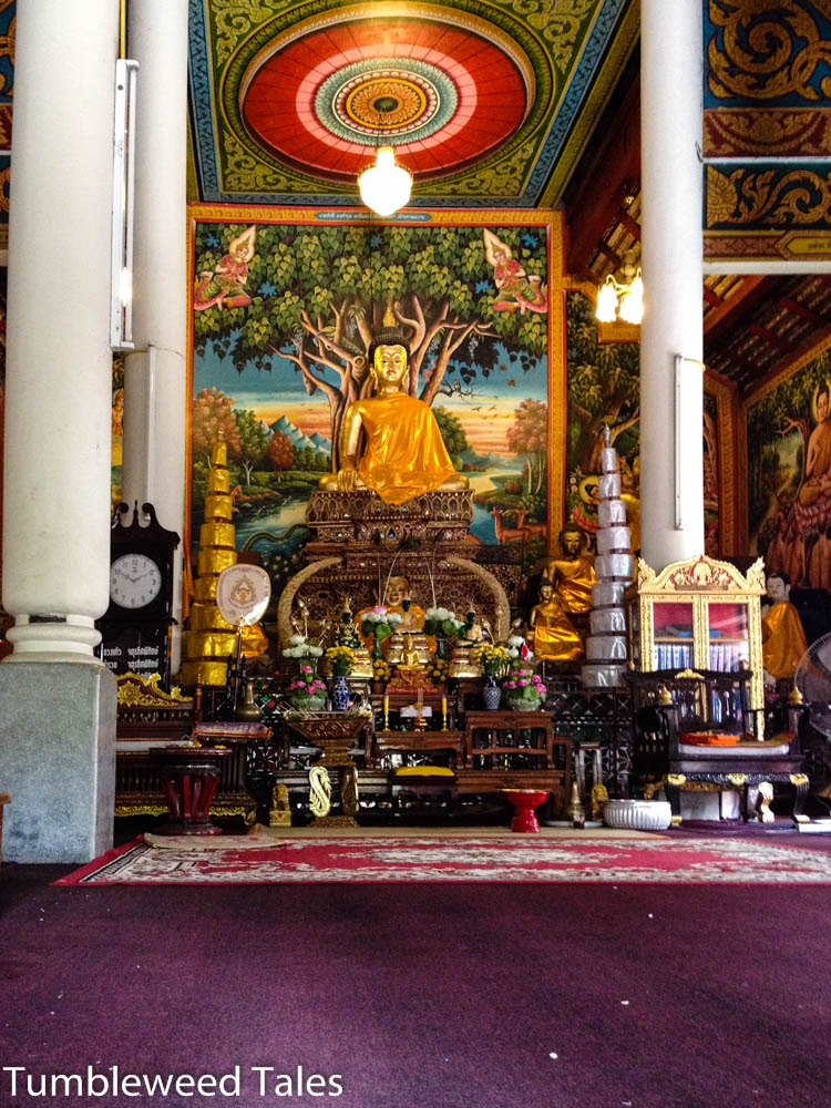 Im Tempel um die Ecke