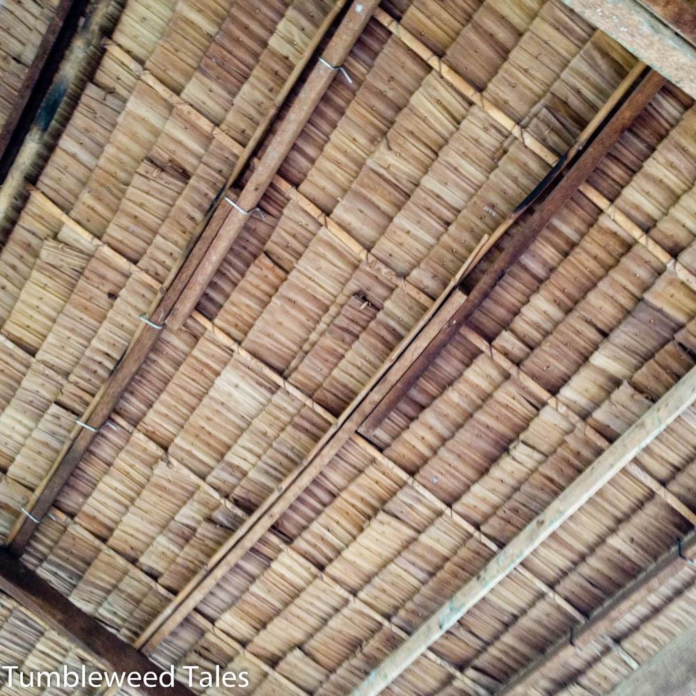 Dach im Restaurant, aus Palmblättern gefertigt