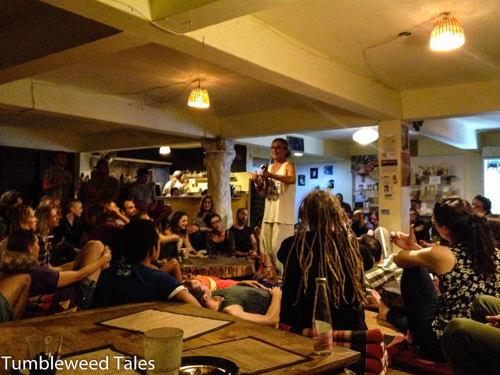 Open Mic im Tea Tree Hippie-Café