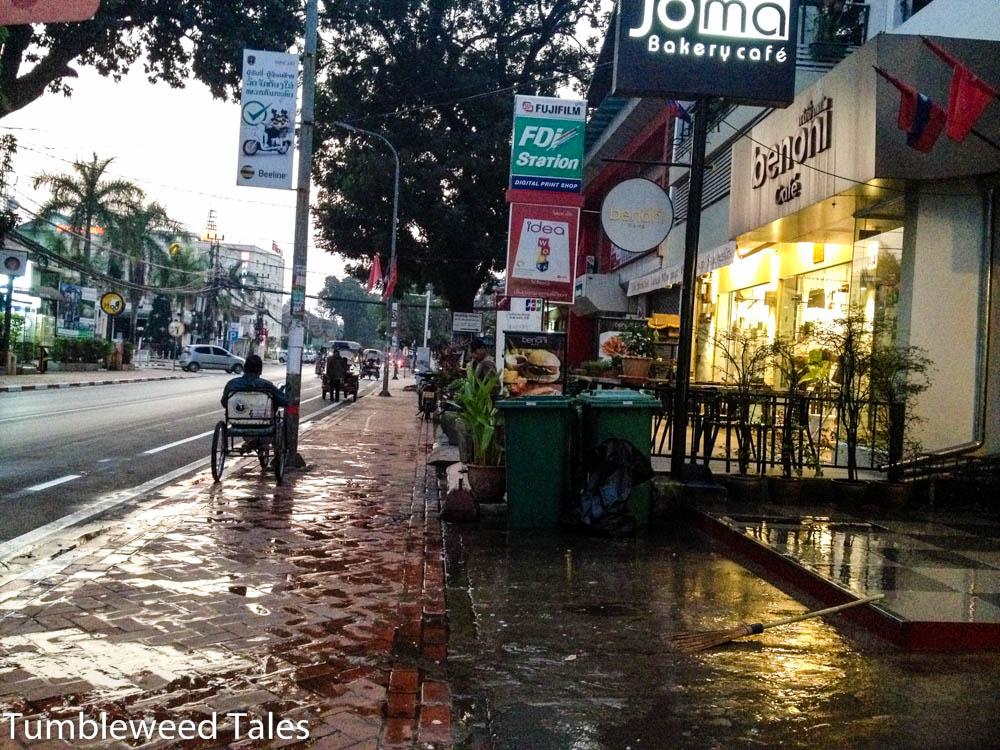 Vientiane wacht langsam auf