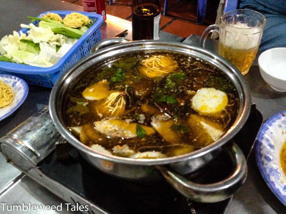 Die gehaltvollste Suppe unseres Lebens. Da kann nichtmal der Naniwa-Ramen mithalten.