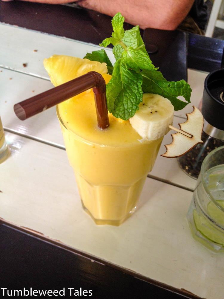 Ma muang bpan – Mango Shake. Aroi maak!