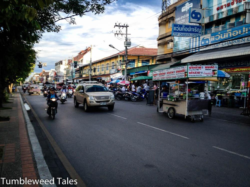 Streetfood und Motorbikes am Moat