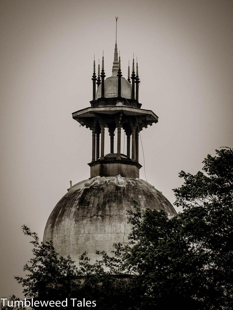 Eine Kuppel in der Nähe der Nationalmoschee