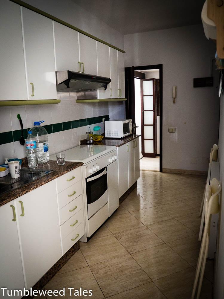 Spanische Wohnungen werden fast immer möbliert vermietet. Das passt uns natürlich sehr gut!