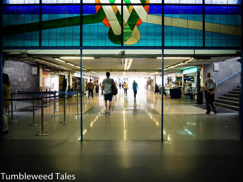 Der Eingangsbereich zum Busbahnhof