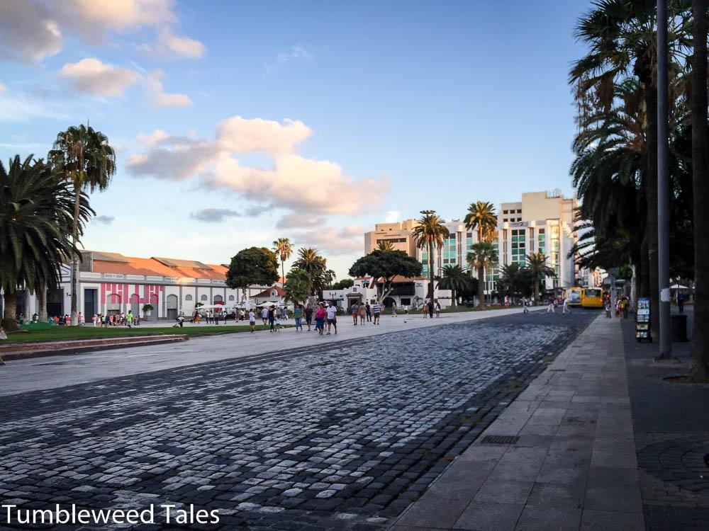 Santa Catalina Park – weiter rechts liegen Grünanlagen und viele Cafés