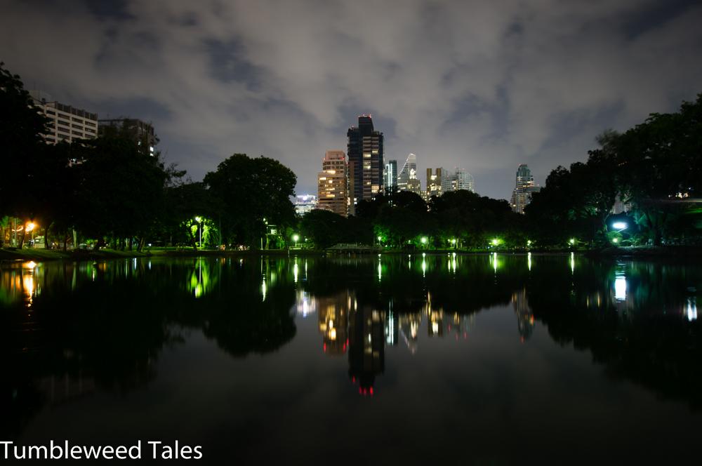 Lumphini Park bei Nacht – zwischen Sukumvit und Silom