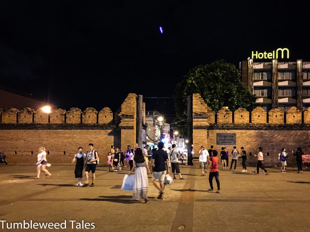 Home Sweet Home: Das Thapae Gate im Osten der Altstadt von Chiang Mai