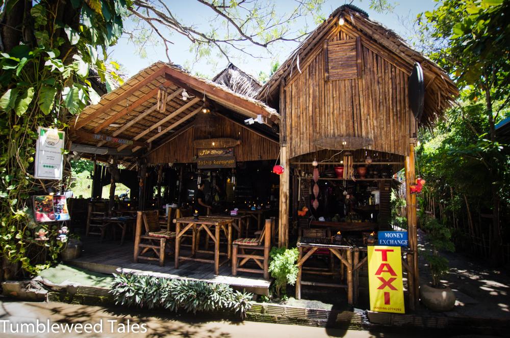 Restaurant im Touristendorf. Jede Menge gemütliche Locations.