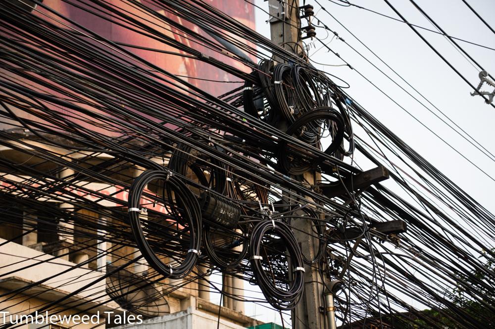 Keine Thailand-Post ohne Kabelwirrwar! ;)